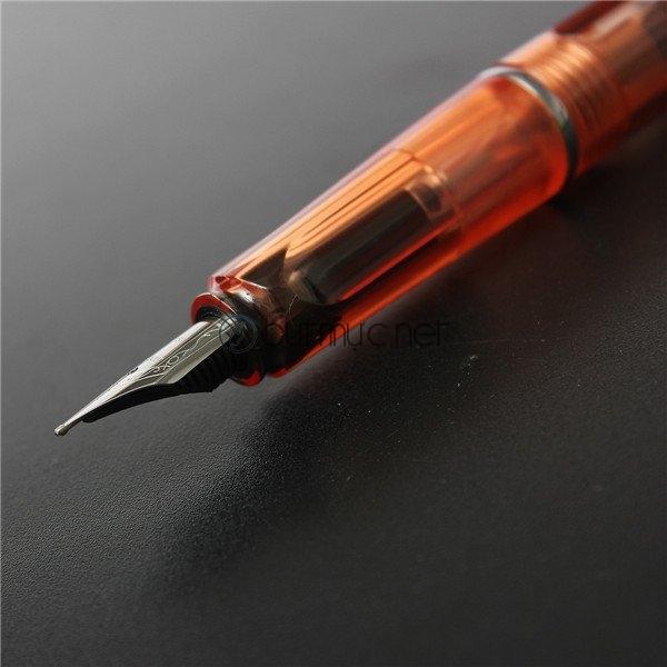 Ngòi bút cỡ F truyền thống
