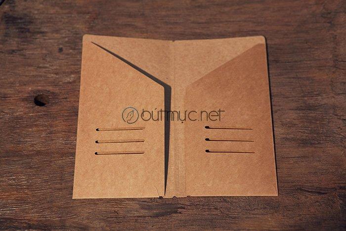 Khung cài thẻ, giấy tờ bằng bìa