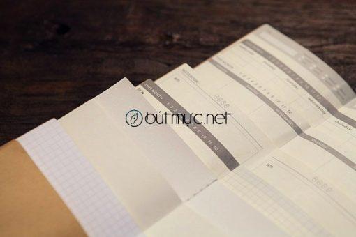 Ruột sổ Midori được in sẵn dòng kẻ, chấm dòng ... phù hợp với nhu cầu người dùng